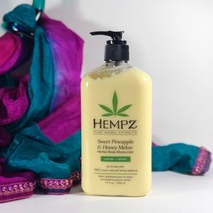 Hempz Other - HEMPZ ✨Sweet Pineapple & Honey Melon✨ Loti…